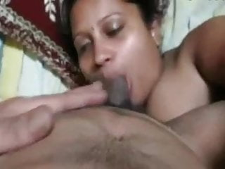 Indian - Mallu Aunty Sucking Cock